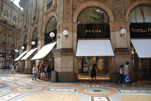 Upptäck Milano och Prada med lågprisflyg över en weekend