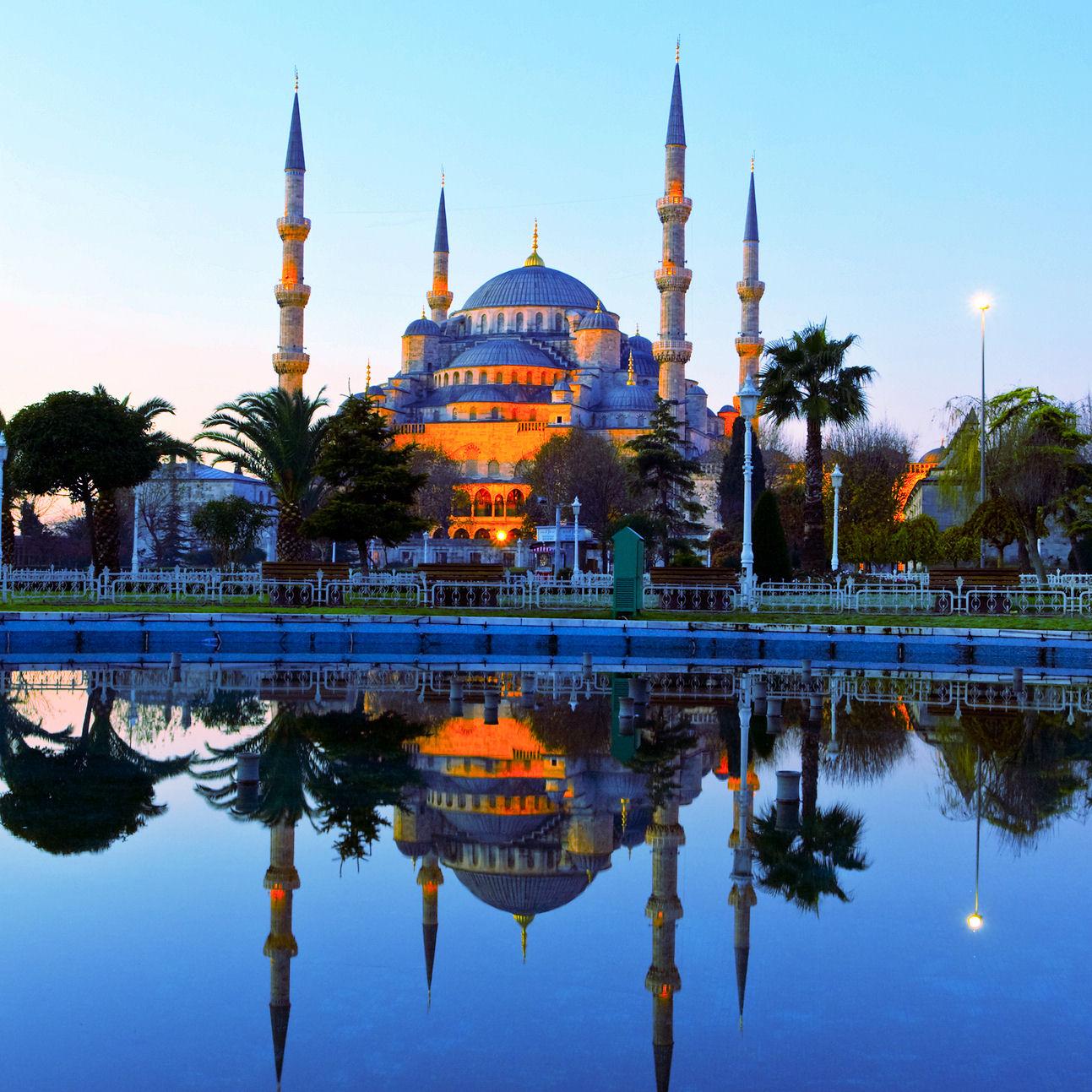 Den blå moskén i exotiska Istanbul